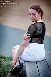 15.07.2017 Czarno-biała sukienka tulipan z siatką na plecach, szpilki platformy czarne, warkocze dobierane, Fantasy make-up, Górka Cyranka