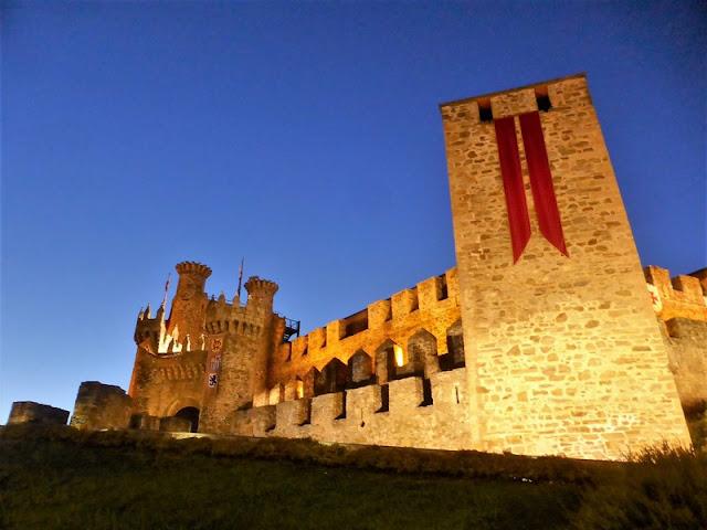 Castillo Templario de Ponferrada de noche