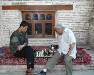 merchants play chess