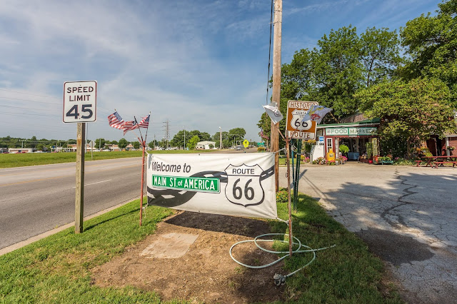 Route 66 Riverton Kansas_by_Laurence Norah