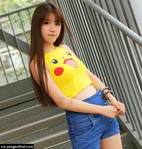 gambar Cewek Sexy Pakai Baju Pokemon GO