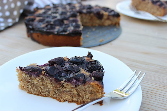 almond blueberry and banana cake