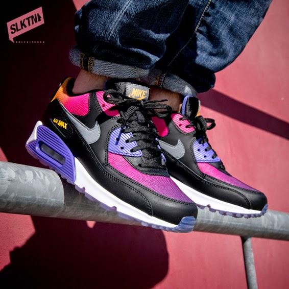 Nike Air Max 90 Sneakerboot On Feet lanativite