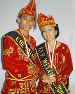 34 Pakaian Adat Indonesia : Gambar, Nama, Tabel, dan ...
