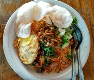 Nasi Goreng Spesial Pake Telor Pondok Ummy