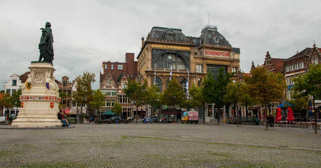 Plaza del Mercado del Viernes Gante