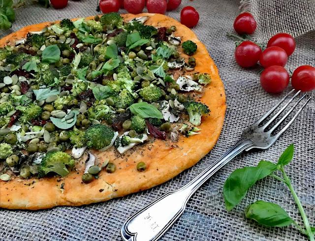 Domowa pizza wegańska