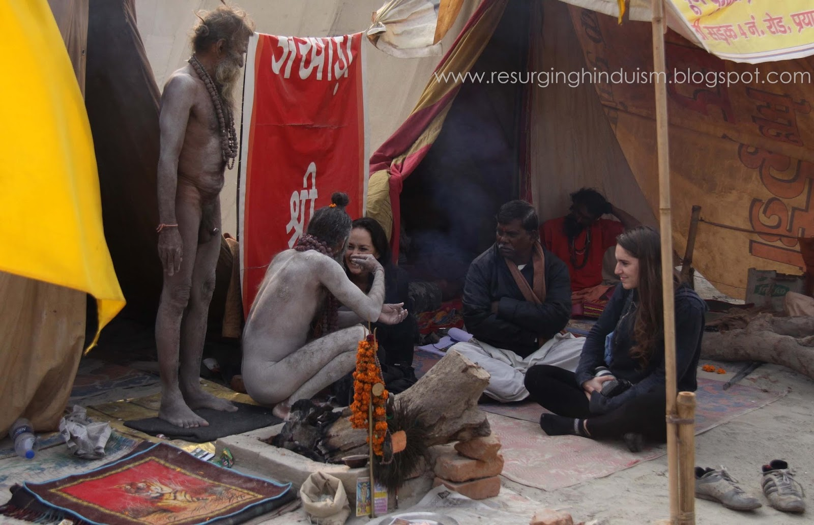 Foreigners Meets To Aghori Sadhus To Know About Them