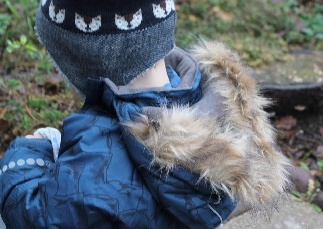 Winterjacke Berge und Fellkapuze tausendkind