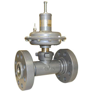 Industrial process control valve with flange connections and pneumatic actuator