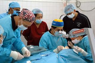 Cataract Surgery in hindi
