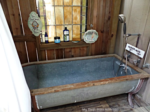 A Secluded Stay at the Bide-A-While Retreat mythriftstoreaddiction.blogspot.com Rustic outdoor tub for bathing under the stars!