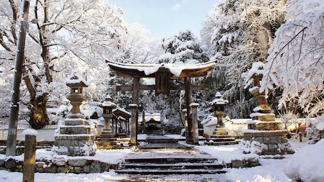 Hasil gambar untuk musim salju di jepang