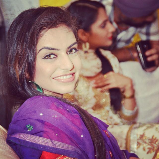 Indian Punjabi Aunty Whatsapp Number 2018 - Bollywood News