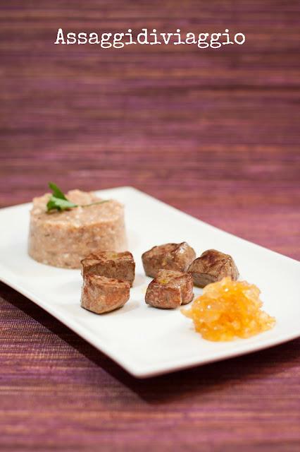 Fegato con cipolle caramellate e sformatino di pane