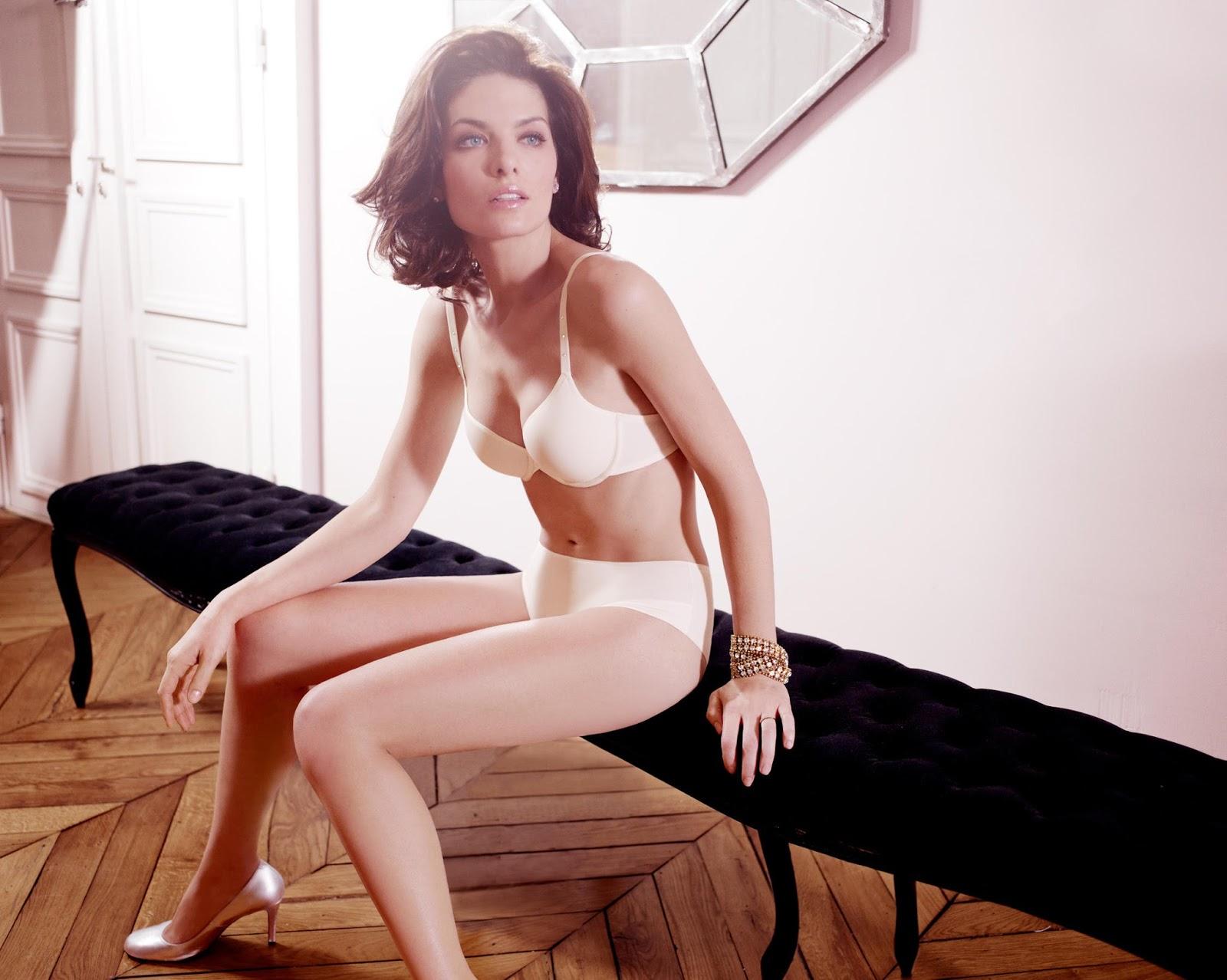Swimwear Isabeli Fontana Nude Photoshoot Images
