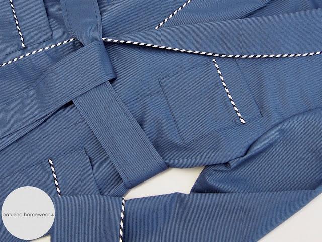 Eleganter stilvoller Luxus Hausmantel Herren, Dressing Gown aus Seide in Blau, Morgenrock lang bequem Große Größen.