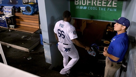 Las Grandes Ligas de béisbol suspendieron a Puig el 16 de agosto, dos días después de que golpeó al receptor de los Gigantes de San Francisco, Nick Hundley, durante una derrota por 2-1 en el Dodger Stadium que incluyó una pelea donde salieron los jugadores del banco