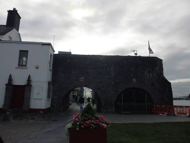 Spanish Arc, el arco español de Galway (Irlanda) (@mibaulviajero)