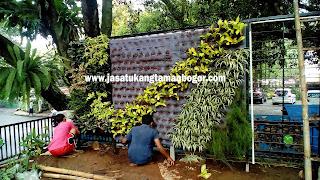 Tukang Taman Vertikal di Jakarta,Jasa Pembuat Taman Vertikal di Jakarta,Jasa Tukang Taman Vertikal di Jakarta,Jasa Pembuat Wall Garden di Jakarta