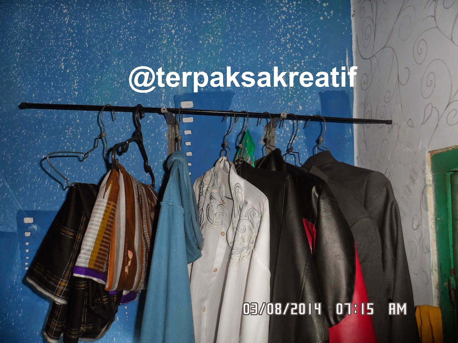 Cara Kreatif Membuat Gantungan Baju dari barang bekas disekitar kita | http://terpaksakreatif.blogspot.co.id