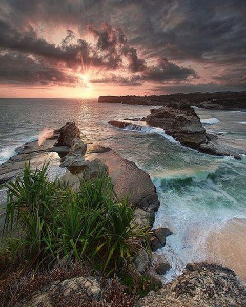 Pantai Klayar, Salah Satu Pantai Indah Di Pacitan
