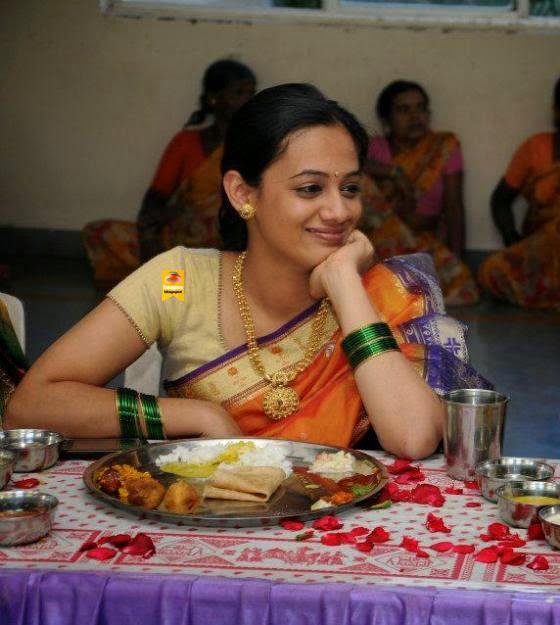 Spruha Joshi Looking Cute In Saree  Cute Marathi -7714