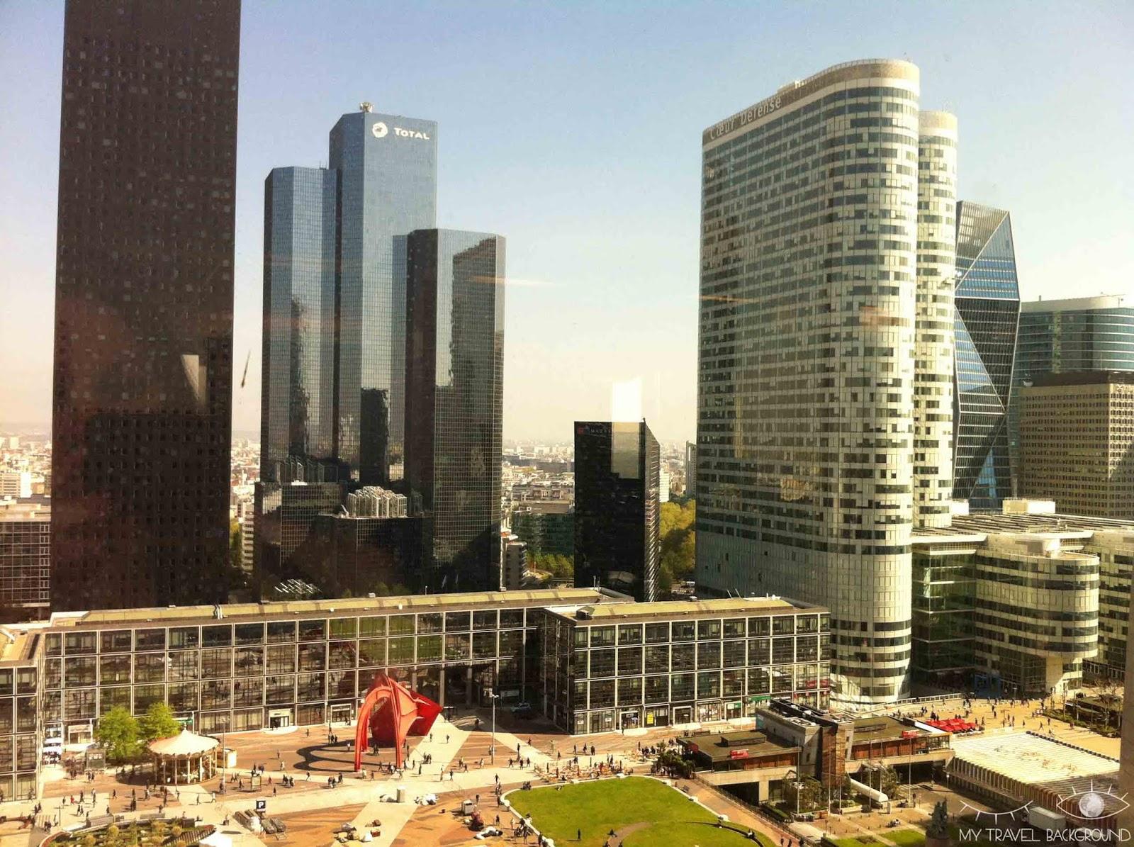 My Travel Background : Paris Promenade La Défense - Tour Areva, tour Total Coupole, tours Coeur Défense