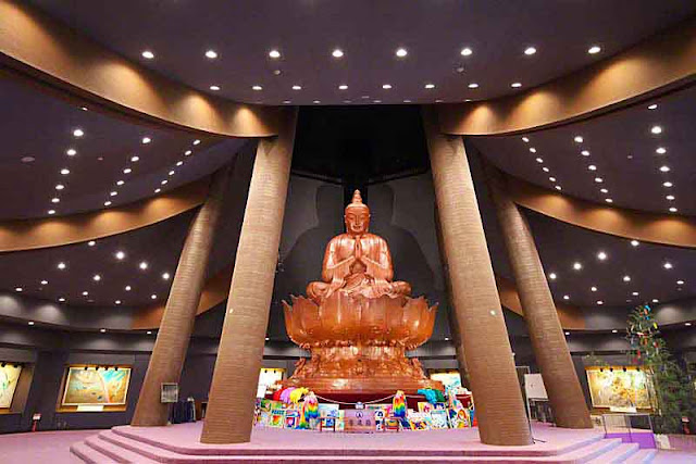 Peace Hall, statue, bronze, auditorium, lights,prayer, artwork