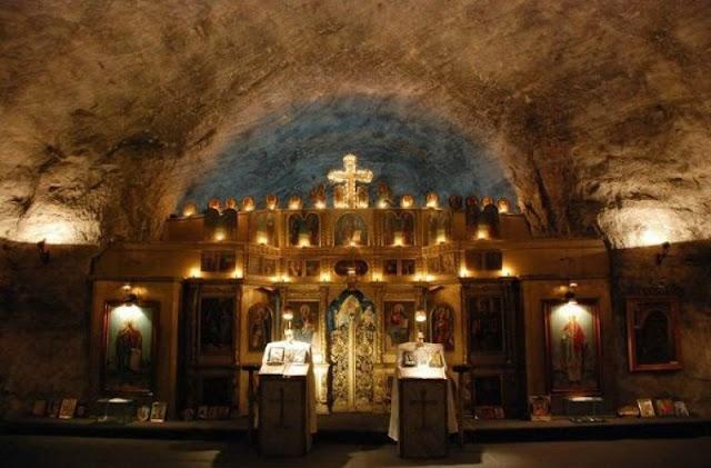 ναός της Αγίας Βαρβάρας φτιαγμένος από αλάτι!