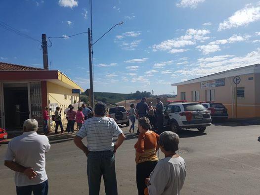 Mulher é presa furtando lojas em Santo Antonio do Jardim,SP