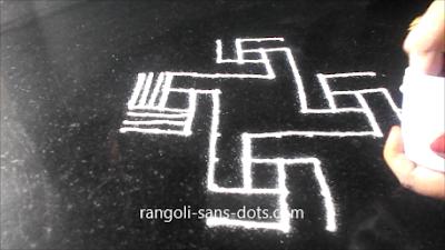 padi-kolam-with-twists-1521ad.jpg
