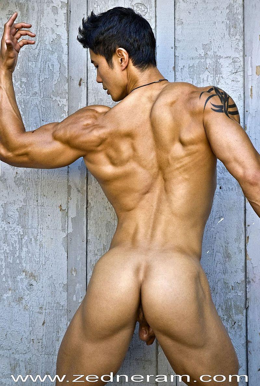 голые красивая модель парни сказать