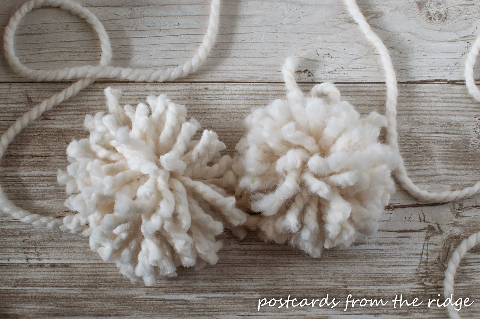 Anthropologie Pompom Garland tutorial. So simple! #rockyourknockoff