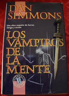 Portada del libro Los vampiros de la mente, de Dan Simmons