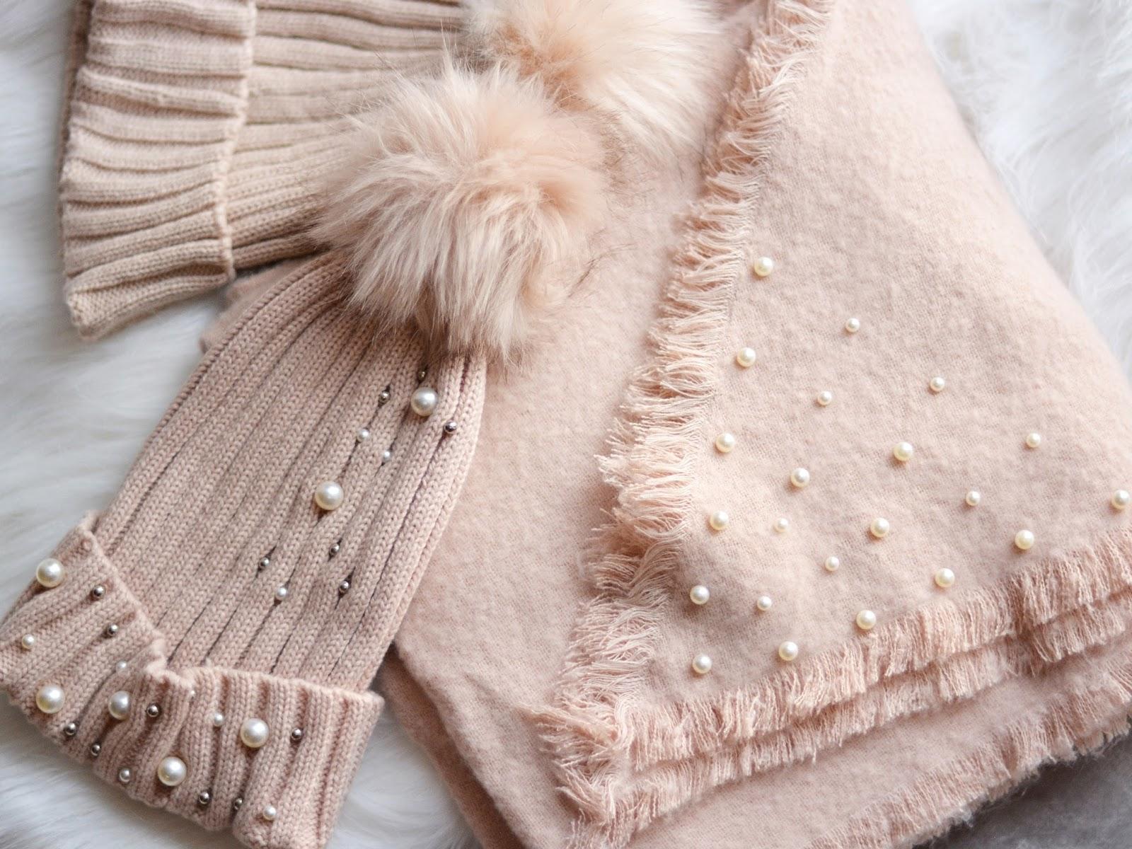 ubrania z perłami jak nosić