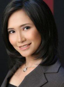 Foto Presenter Olahraga Cantik Lucia Saharui