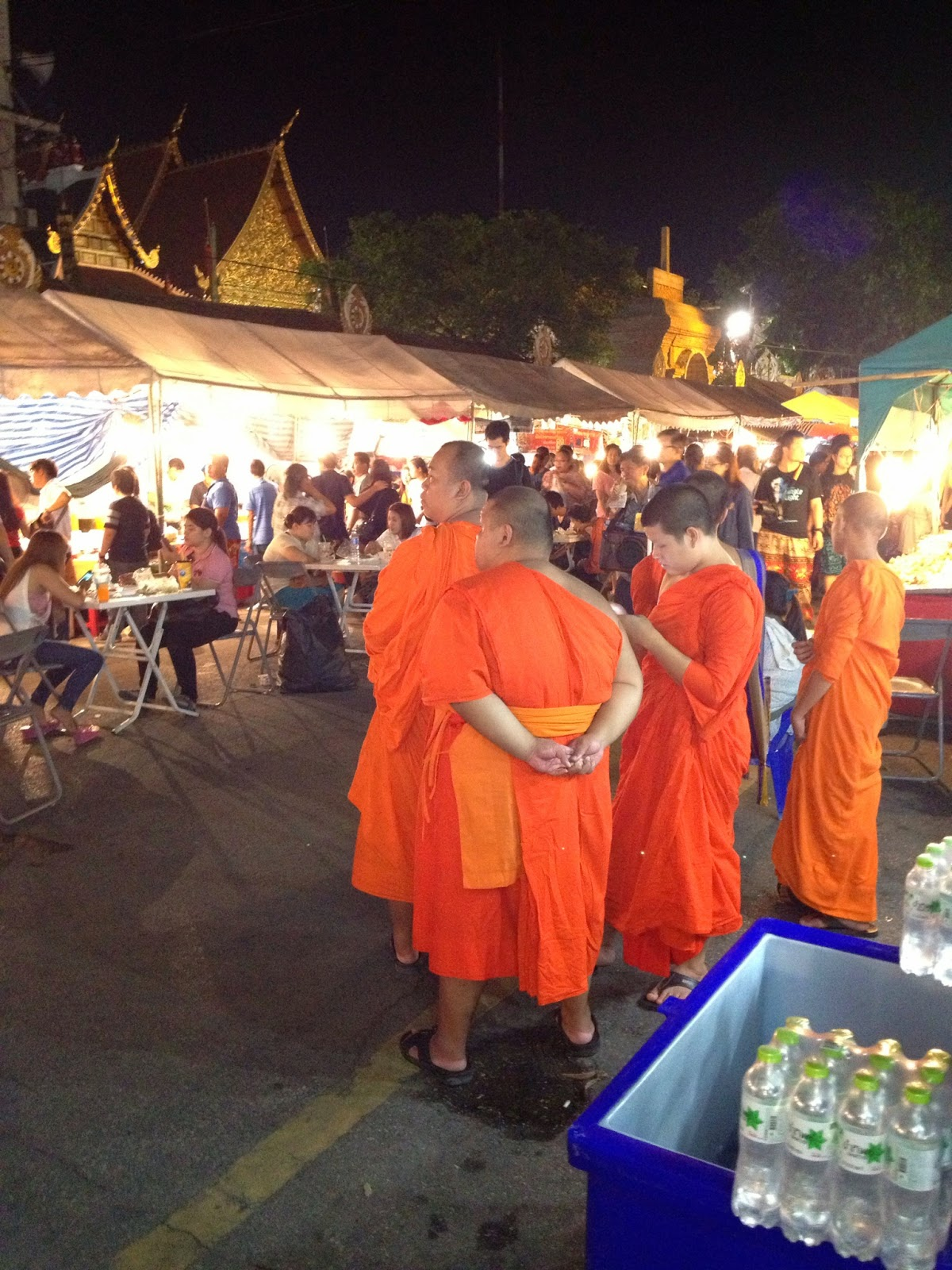 Chiang Mai - Even the monks come out to enjoy the festivities