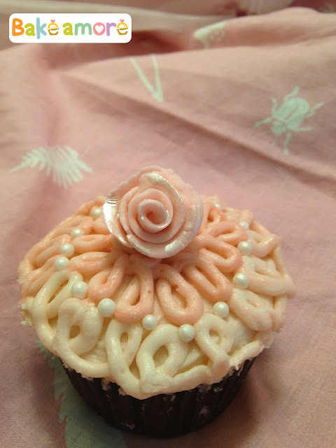 Valentine rose and pearl cupcake