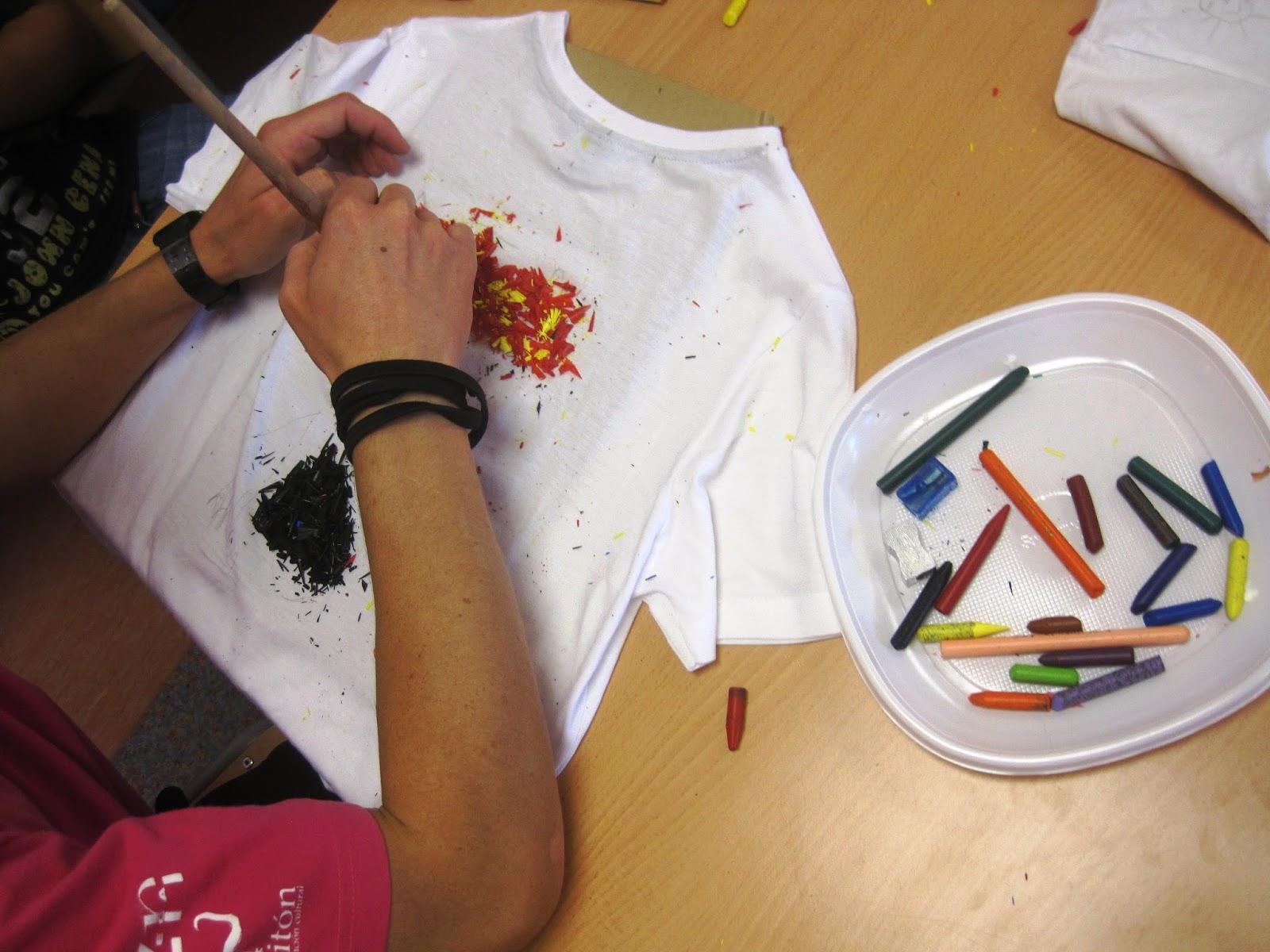 Diy pintar camisetas con pinturas plastidecor - Pinturas para pintar camisetas ...