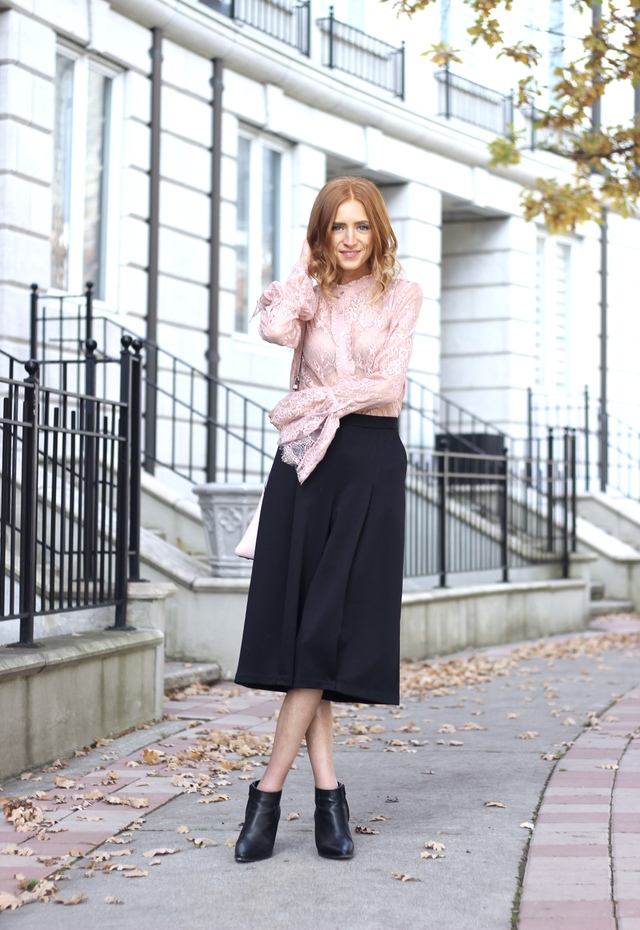 Pastels & Pastries Holiday Style: Pandora Holiday Collection, stackable rings silver pear, lace bell sleeve pink blouse, culottes