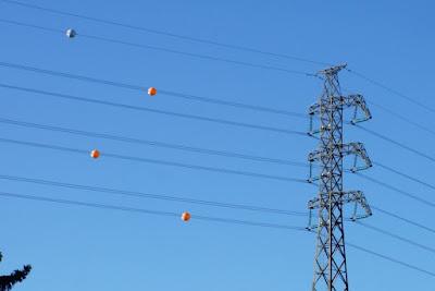 Inilah Fungsi Sebenar Bola-Bola Yang Berada Di Kabel Elektrik