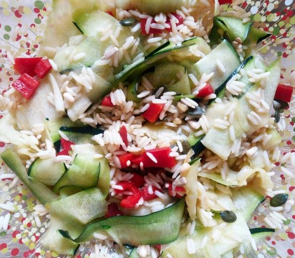 graines, sun, fruits secs, salades, graines de courge, tournesol, pignons, baies de Goji, agrémenter les salades, aides culinaires, apéritif, snaking, fruits, découverte