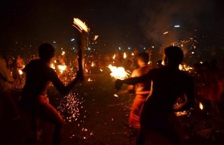 Agni Keli Nedir? Ateşli Yakar Top Festivali