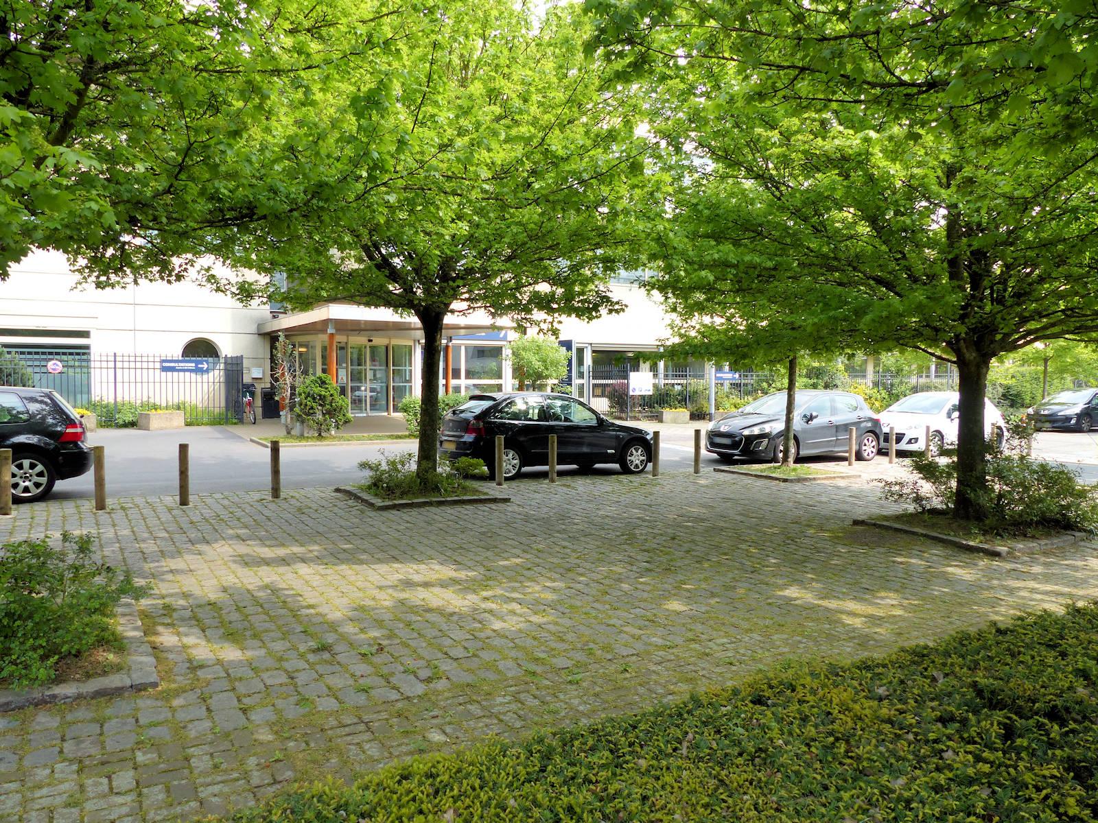 Cliniques, Hôpitaux, Tourcoing - Clinique de la Victoire, entrée