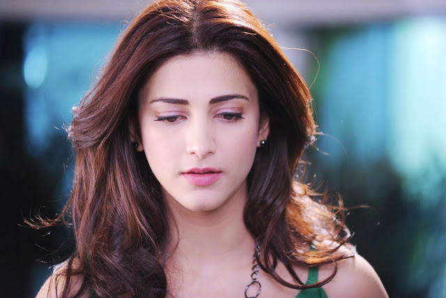 Shruti Hassan Real Pic