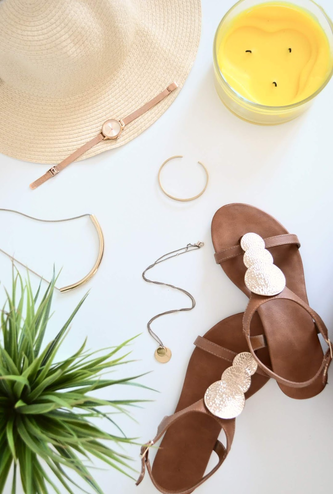 the only summer fashion accessories you will need