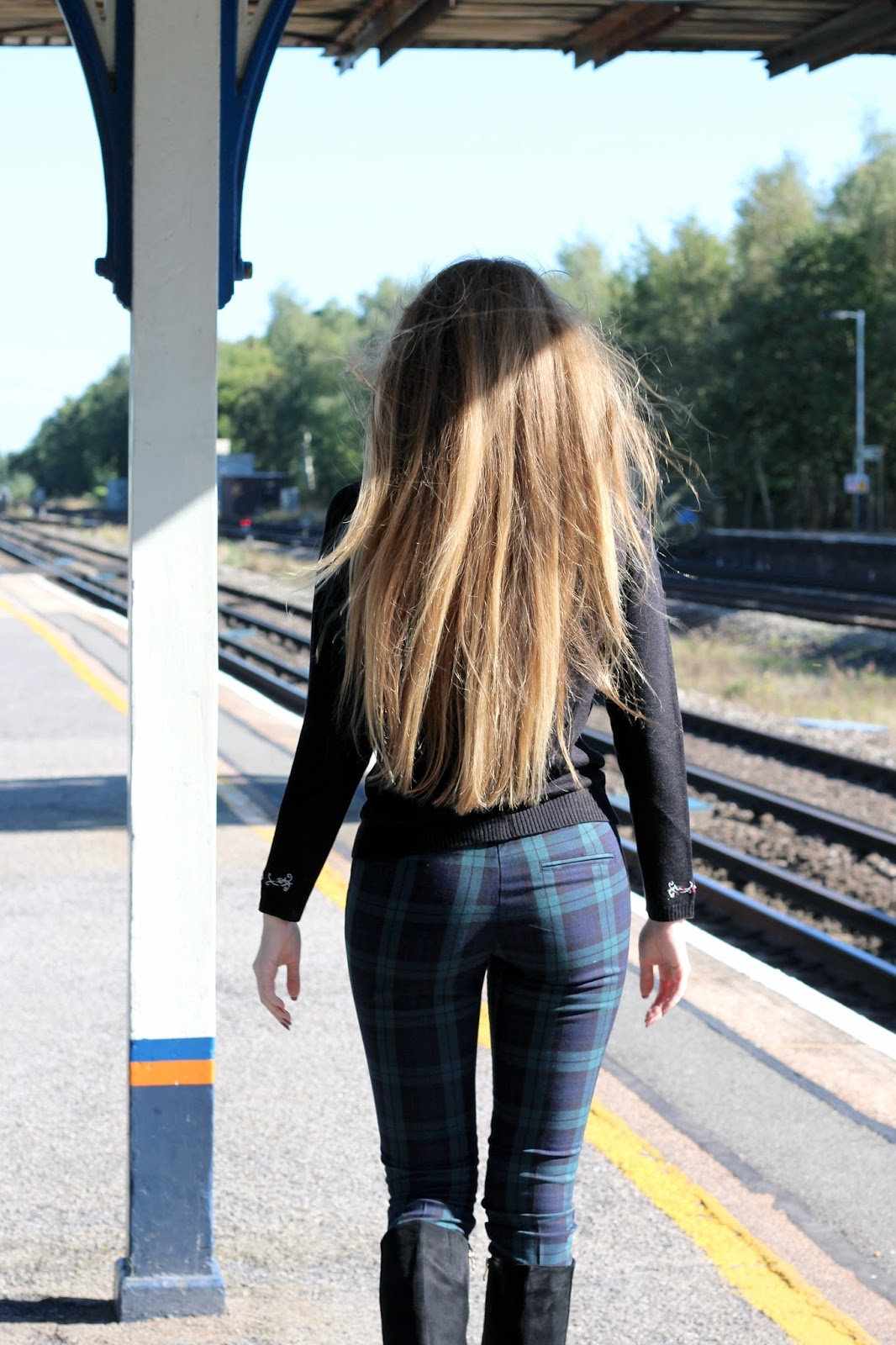 Train station railway fashion blogger photoshoot