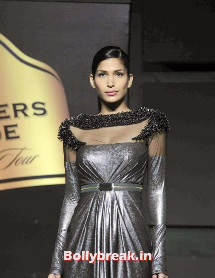 Mashoom Singha, Gavin Miguel Show at Blenders Pride Fashion Tour 2013