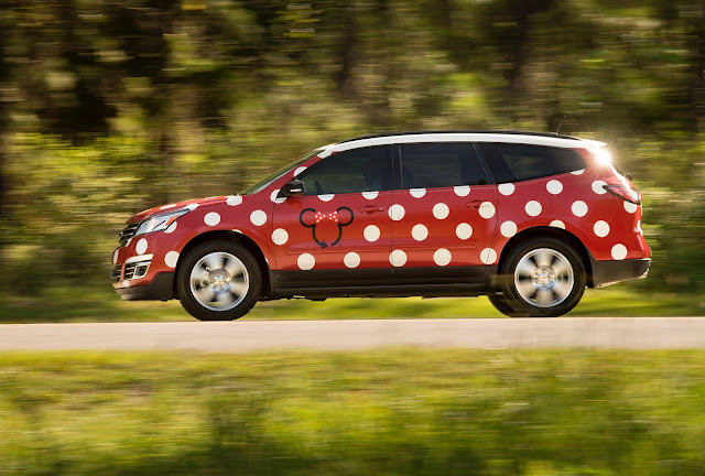 minnie private transportation uber walt disney world smartphone
